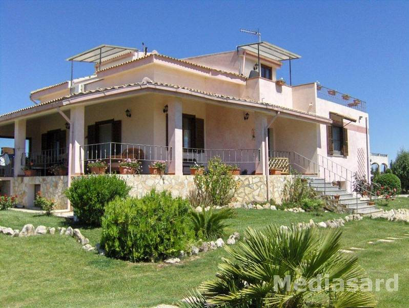 Villa in Vendita a Olmedo