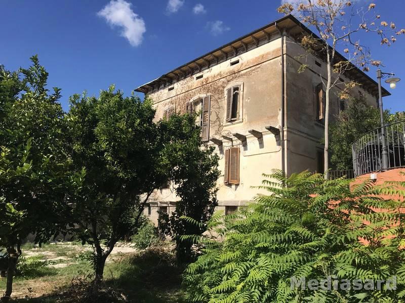 Villa in vendita a Ittiri, 13 locali, prezzo € 550.000 | CambioCasa.it