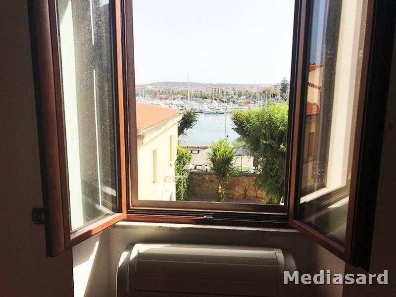 Appartamento in affitto a Alghero, 4 locali, zona Località: Z1 CENTRO STORICO, prezzo € 900 | CambioCasa.it