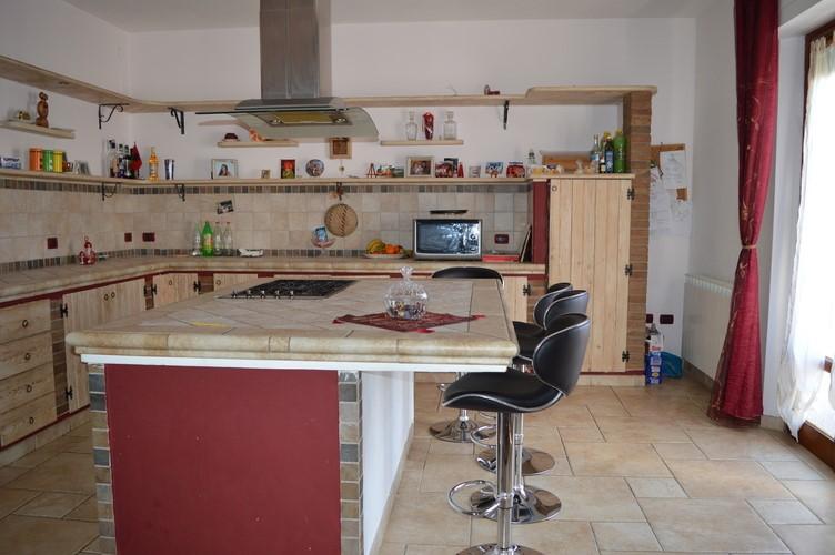 Soluzione Indipendente in vendita a Campiglia Marittima, 5 locali, zona Zona: Venturina, prezzo € 240.000   CambioCasa.it
