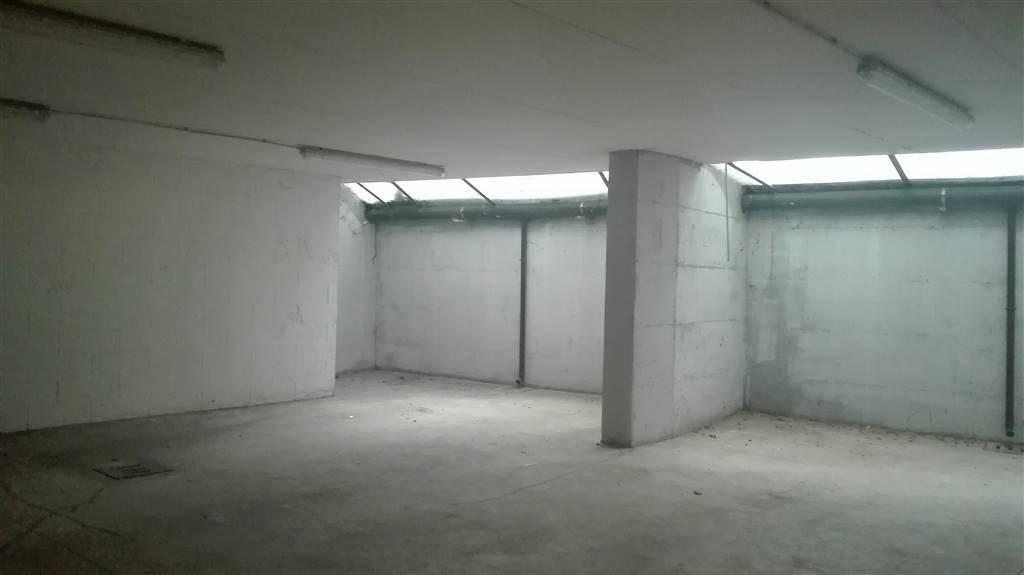 magazzino-deposito  in Affitto a Bologna