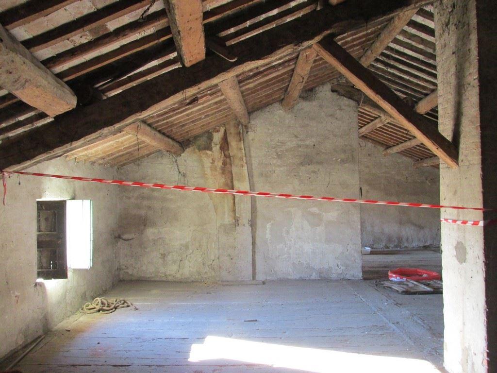 Case lonigo compro casa lonigo in vendita e affitto su - Piastrellato rustico significato ...