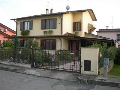 Villa Bifamiliare in Vendita a Dovera