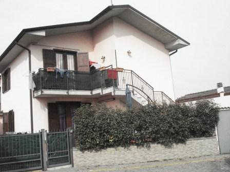 Appartamento in vendita a Sergnano, 3 locali, prezzo € 128.000   Cambio Casa.it