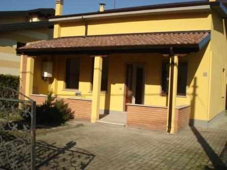 Villa in vendita a Camisano, 3 locali, prezzo € 110.000 | Cambio Casa.it