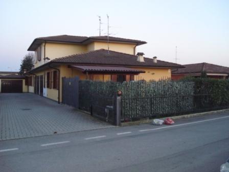 Villa a Schiera in vendita a Fiesco, 3 locali, prezzo € 120.000 | Cambio Casa.it