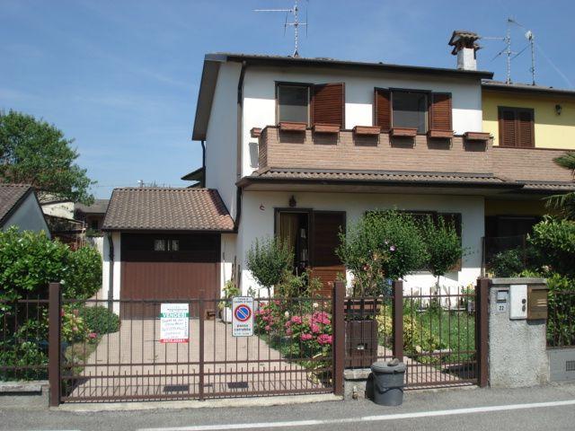 Villa Bifamiliare in vendita a Casaletto di Sopra, 4 locali, prezzo € 140.000 | Cambio Casa.it