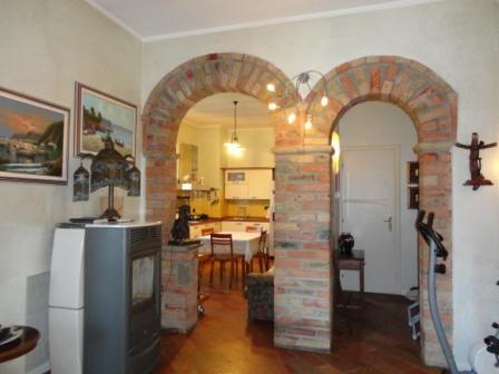 Vendita bifamiliare offanengo in ottime condizioni - Archi mattoni vista in cucina ...