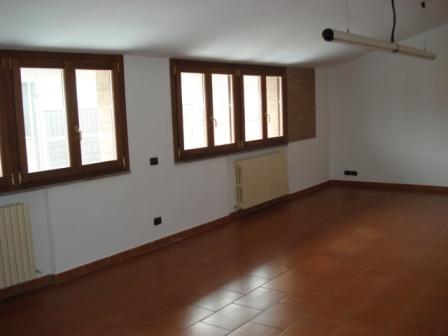 Appartamento in vendita a Ricengo, 4 locali, zona Zona: Bottaiano, prezzo € 138.000 | Cambio Casa.it