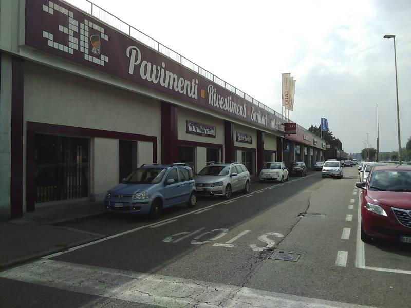 Immobile Commerciale in affitto a Corsico, 1 locali, prezzo € 16.250 | Cambio Casa.it