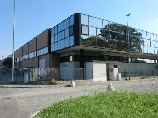 Capannone in affitto a Lacchiarella, 9999 locali, prezzo € 50.000 | CambioCasa.it