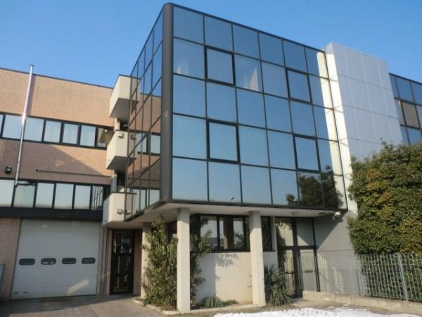 Capannone in vendita a Assago, 9999 locali, prezzo € 850.000 | Cambio Casa.it