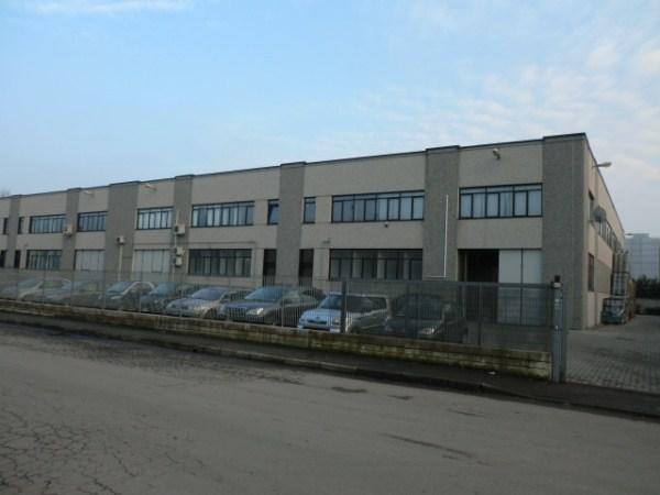 Capannone in affitto a Cesano Boscone, 9999 locali, prezzo € 30.000 | Cambio Casa.it