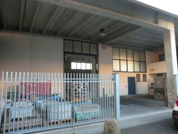 Magazzino in vendita a Assago, 9999 locali, zona Località: CENTRO, prezzo € 380.000 | CambioCasa.it