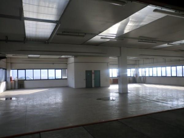 Laboratorio in affitto a Assago, 9999 locali, prezzo € 25.000 | CambioCasa.it