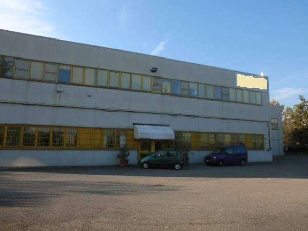 Capannone in vendita a Zibido San Giacomo, 9999 locali, Trattative riservate | Cambio Casa.it