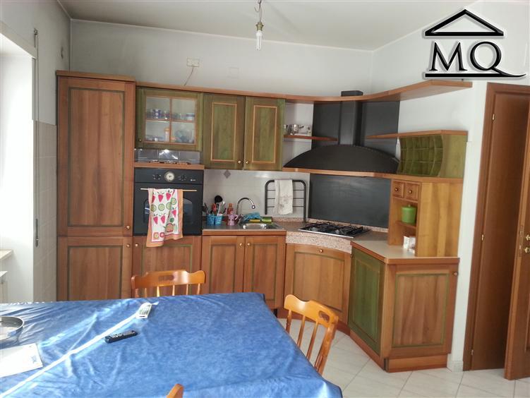 Appartamento in affitto a Isernia, 4 locali, zona Zona: Centro, prezzo € 190 | CambioCasa.it
