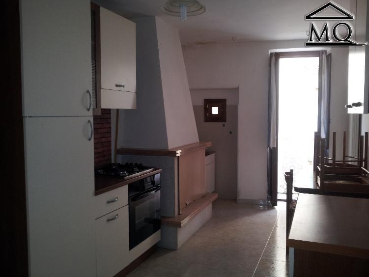 Appartamento in affitto a Isernia, 3 locali, zona Zona: Centro storico, prezzo € 280 | Cambio Casa.it