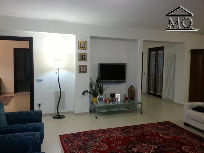 Villa in vendita a Isernia, 4 locali, zona Zona: Periferia, prezzo € 330.000 | Cambio Casa.it