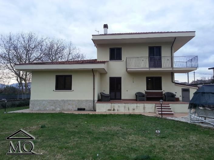 Villa in vendita a Isernia, 4 locali, zona Zona: Periferia, prezzo € 295.000 | Cambio Casa.it