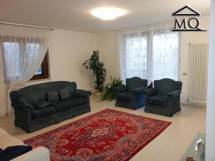 Villa in vendita a Isernia, 3 locali, zona Zona: Periferia, prezzo € 125.000 | Cambio Casa.it