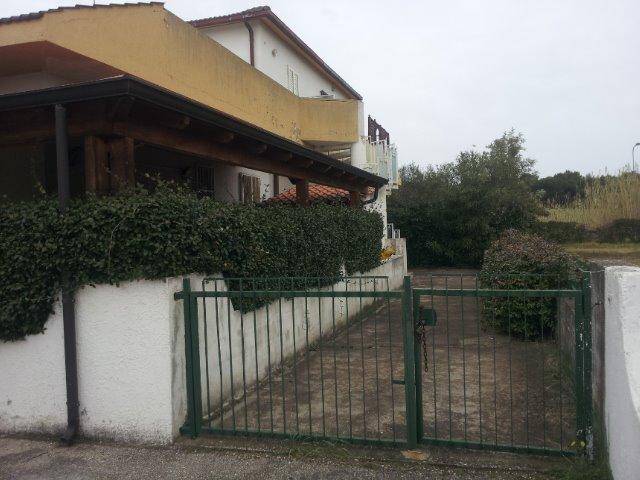 Soluzione Indipendente in vendita a Campomarino, 3 locali, zona Zona: Lido di Campomarino, prezzo € 100.000 | Cambio Casa.it