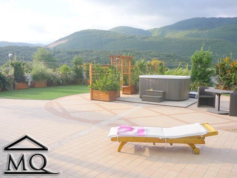 Soluzione Indipendente in vendita a Isernia, 5 locali, zona Zona: Periferia, prezzo € 295.000 | Cambio Casa.it