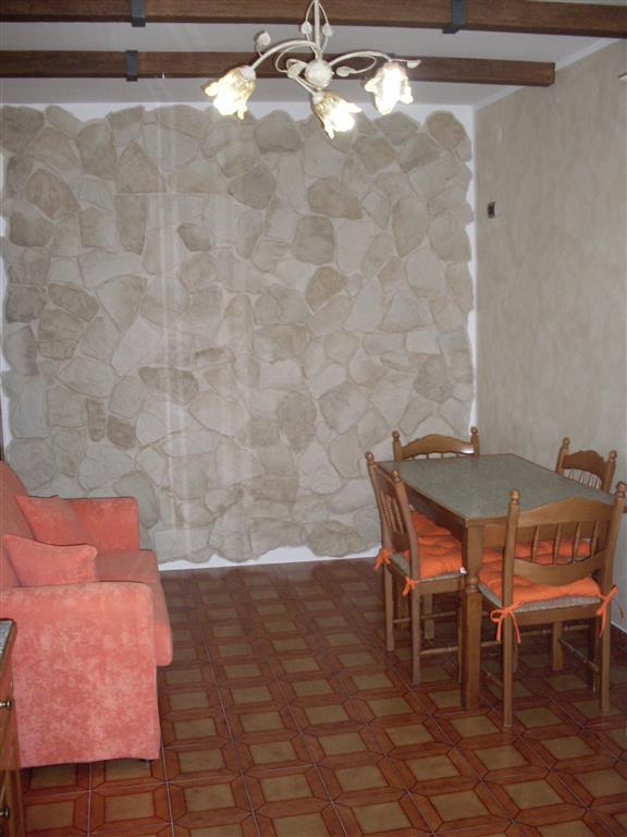 Soluzione Indipendente in affitto a Sant'Agapito, 2 locali, prezzo € 250 | CambioCasa.it