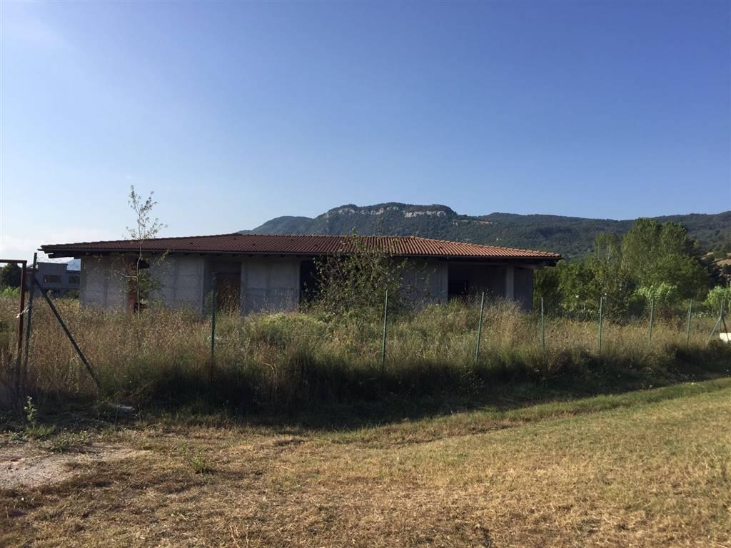 Villa in vendita a Carpinone, 5 locali, prezzo € 120.000 | CambioCasa.it