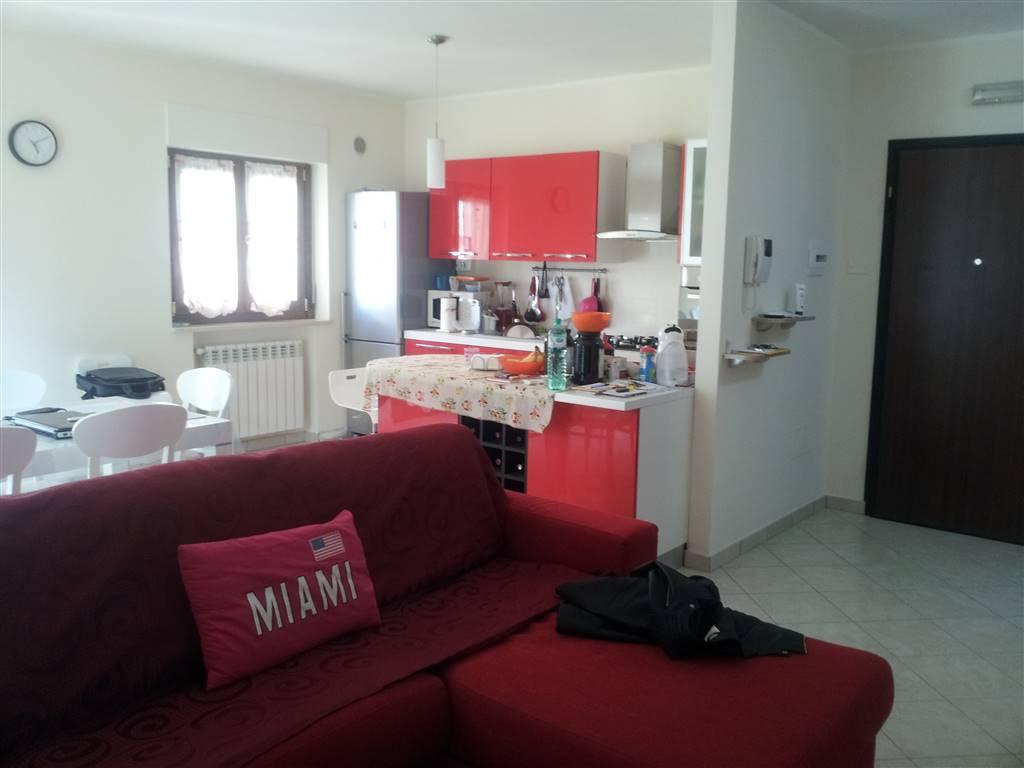 Appartamento in vendita a Montaquila, 4 locali, zona Località: ROCCARAVINDOLA BASSA, prezzo € 120.000 | CambioCasa.it
