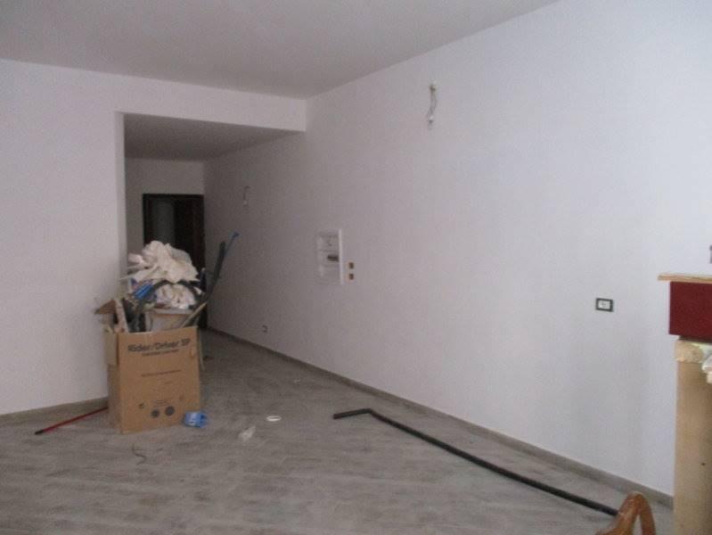 Attività / Licenza in affitto a Prato, 2 locali, zona Zona: Centro storico, prezzo € 600 | Cambio Casa.it