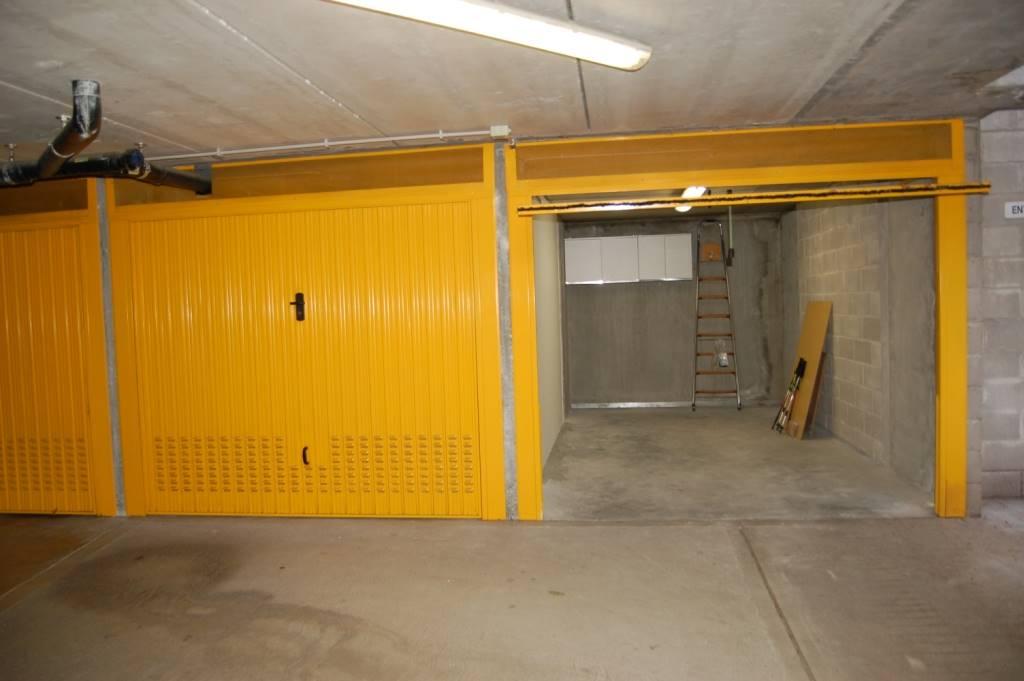 garage-Box-posto auto  in Affitto a Trieste