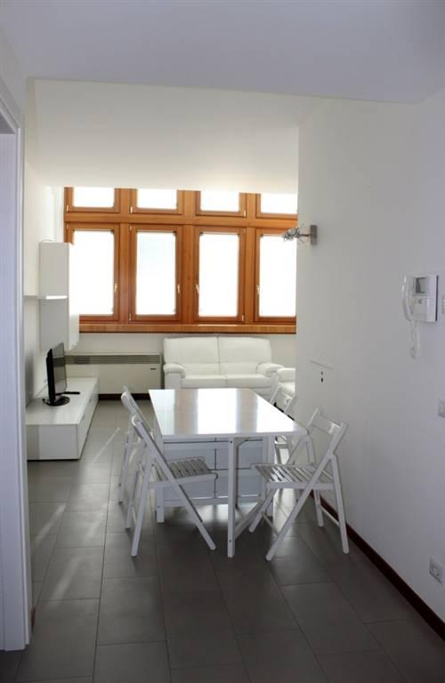Appartamento in Affitto a Milano: 3 locali, 120 mq
