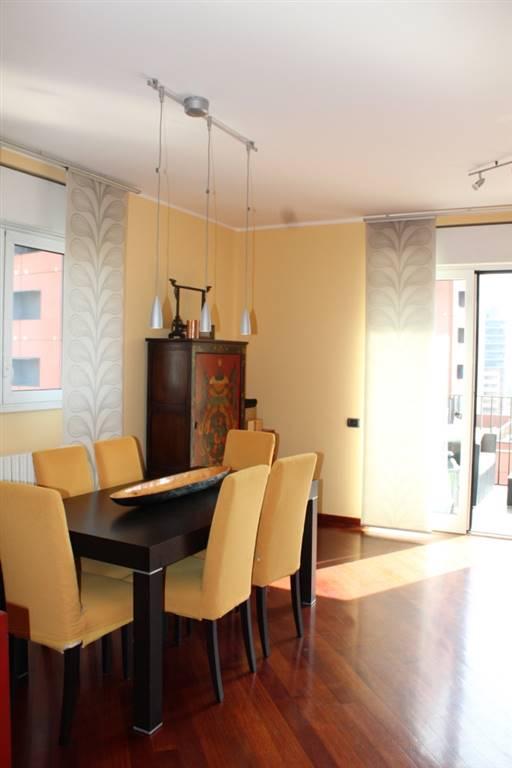 Appartamento in Affitto a Milano: 4 locali, 148 mq