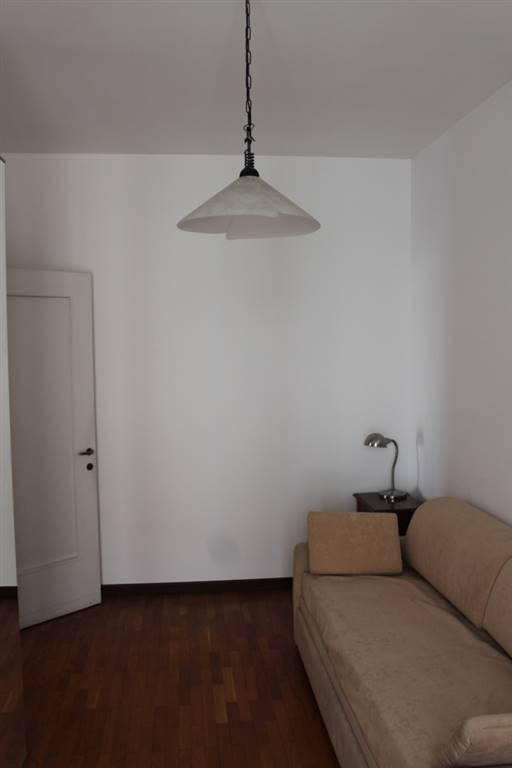 Appartamento via Paolo Bassi 15  a Milano