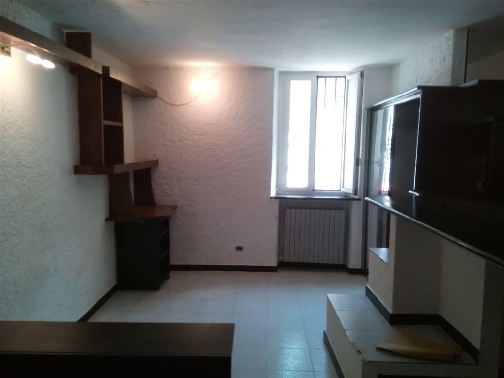 Appartamento VIA AMEGLIO  a Milano