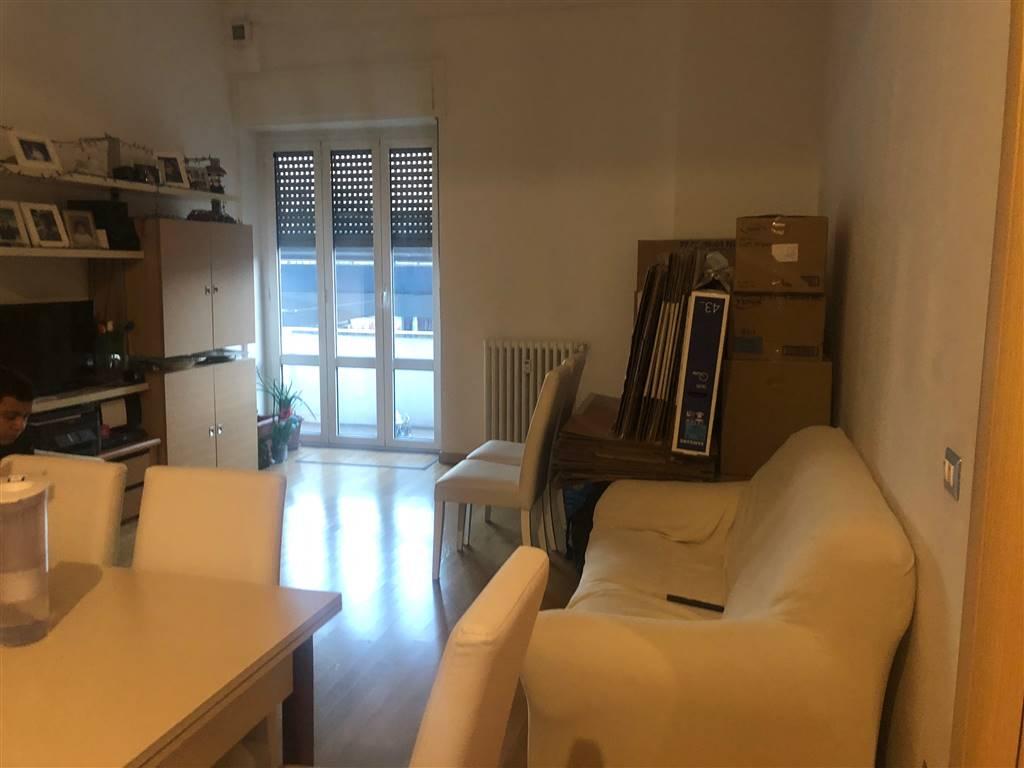 Appartamento via monte ceneri  a Milano
