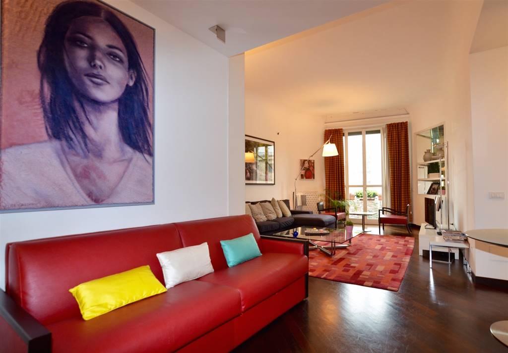 SAN BABILA – MOZART, 2 (MI); Prestigioso appartamento 110 mq.  Nella prestigiosa zona di Corso Venezia, walking distance dal quadrilatero della