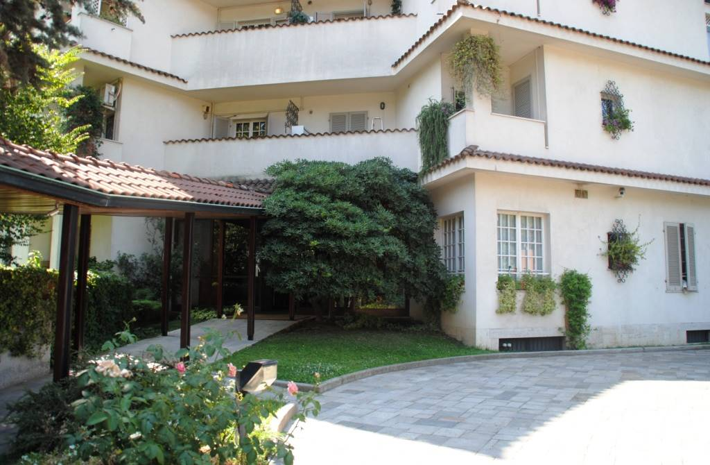 SAN SIRO/VIALE CAPRILLI  Posizione: Ottima. San Siro è considerato uno degli storici quartieri residenziali di Milano particolarmente apprezzato per