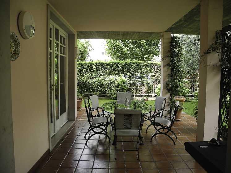 Villa in vendita a Bussolengo, 12 locali, Trattative riservate | Cambio Casa.it