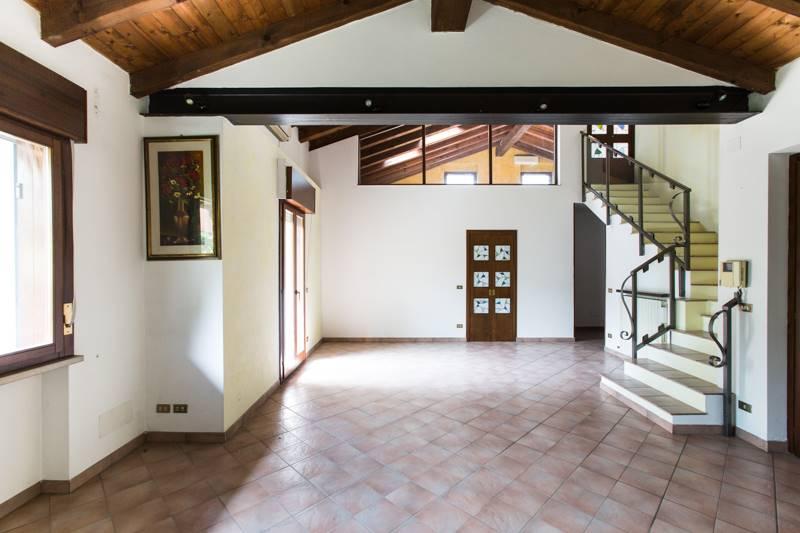 Villa-Villetta Vendita Pescantina