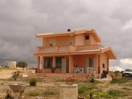 Villa in vendita a Marsala, 4 locali, zona Località: LATO TRAPANI, prezzo € 300.000 | Cambio Casa.it