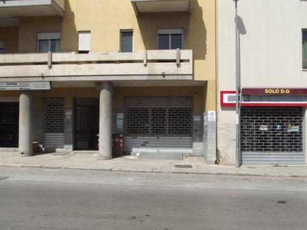 Negozio / Locale in affitto a Marsala, 1 locali, zona Località: CENTRO, prezzo € 600 | CambioCasa.it