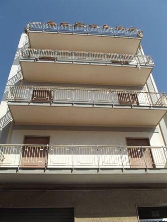 Appartamento in affitto a Marsala, 4 locali, zona Località: CENTRO STORICO, prezzo € 380 | Cambio Casa.it