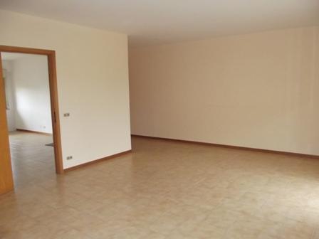 Appartamento in affitto a Marsala, 4 locali, zona Località: LATO MAZARA, prezzo € 350 | Cambio Casa.it
