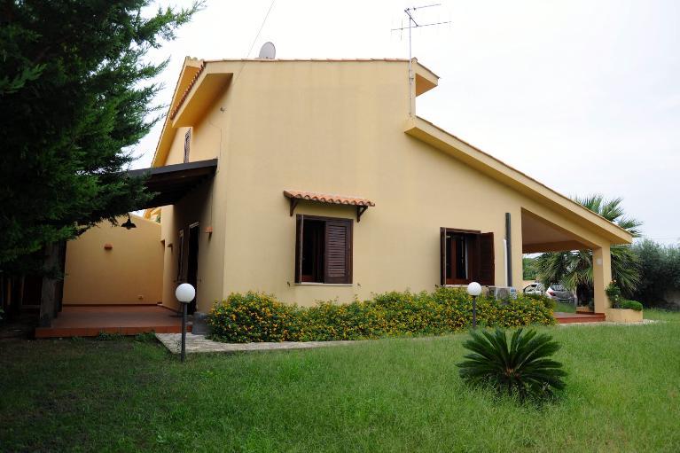 Villa villetta in affitto marsala in provincia di trapani for Affitto arredato trapani