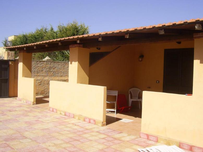 Villa Bifamiliare in affitto a Marsala, 2 locali, zona Località: MARE, Trattative riservate | Cambio Casa.it
