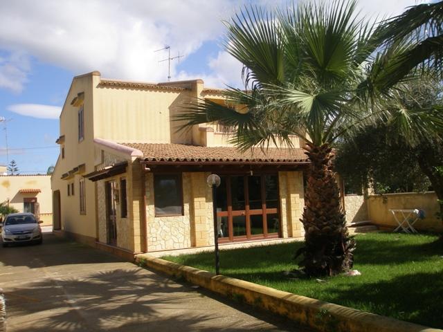 Villa in vendita a Marsala, 5 locali, zona Località: LATO TRAPANI, prezzo € 270.000 | Cambio Casa.it