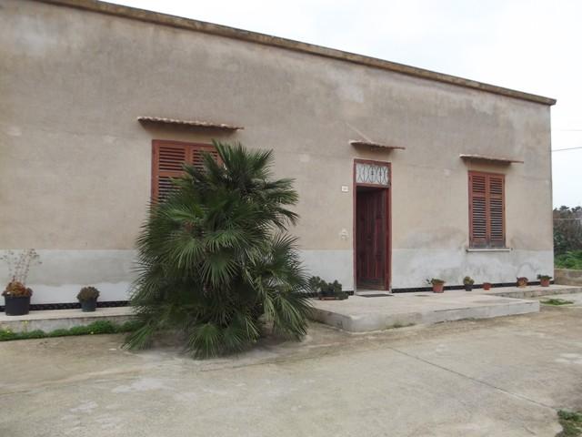 Soluzione Indipendente in affitto a Marsala, 5 locali, zona Località: LATO MAZARA, prezzo € 300 | CambioCasa.it