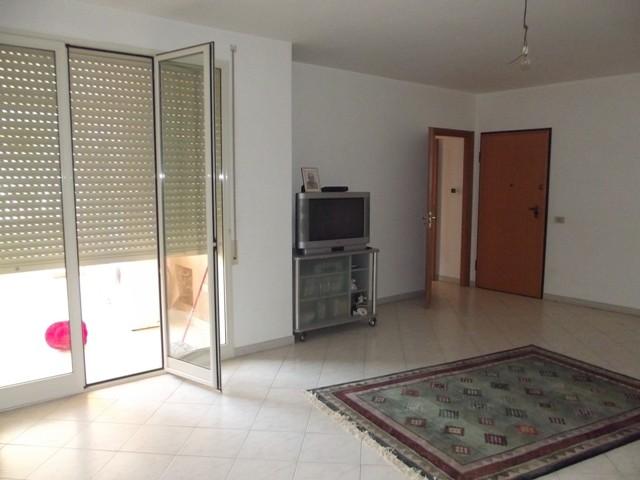 Appartamento in vendita a Marsala, 5 locali, zona Località: CENTRO, prezzo € 110.000   Cambio Casa.it